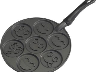 Did you know that pancakes contain500 fewer calories than a plate of French toast? Well, this option provides a healthier yet tasty breakfast alternative. To ensure that you get the best out of it, you should invest in the best griddle pan for pancakes.