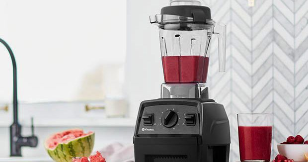 This article will guide you on the best blenders for smoothies to suit your needs. Also, it includes a comprehensive list of the best blenders for smoothies and their features.