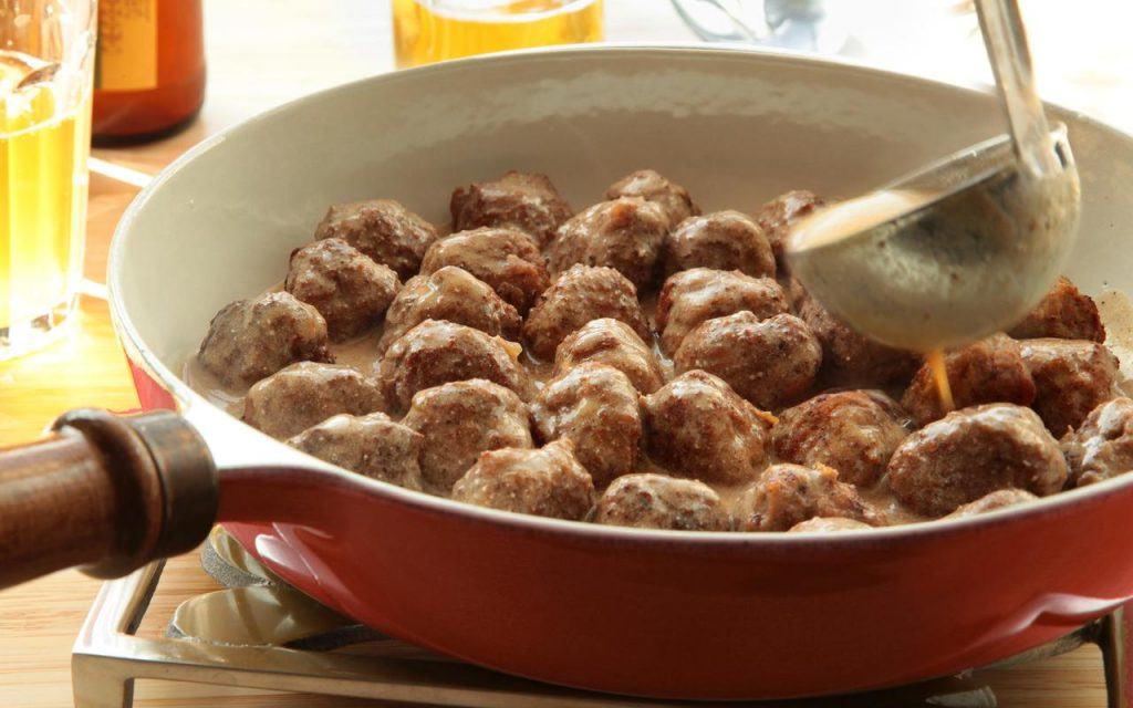 Meat balls with electric skillet