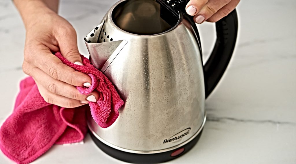 How to Clean an Electric Kettle Using Vinegar