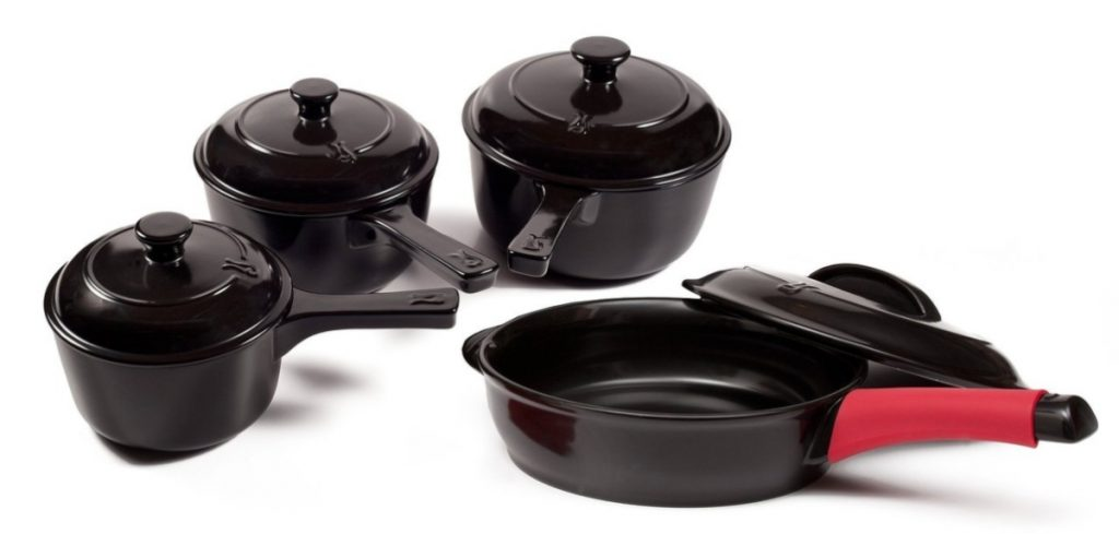 This article gives an honest Xtrema cookware review. Is it worth your investment? How durable are the Xtrema ceramic cookware sets? If these questions linger in your mind, then you need to pay attention to the information we're about to unleash.